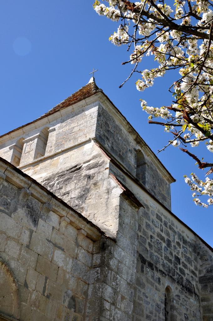 Eglise aux environs de Vindelle - Charente - Avril 2013