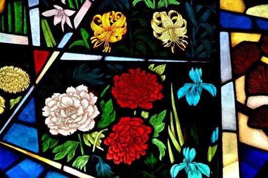 Vitrail à la chapelle des jardins de Verbania - Piémont - Italie - Août 2012