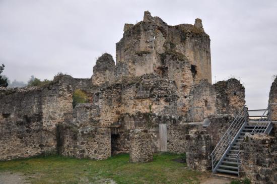 Ruines à Saint Germain de Confolens - Charente - Octobre 2010