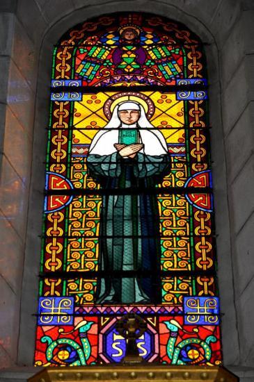 Vitrail à la basilique Sainte Jeanne-Antide de Sancey Le Long - Doubs - Juin 2011