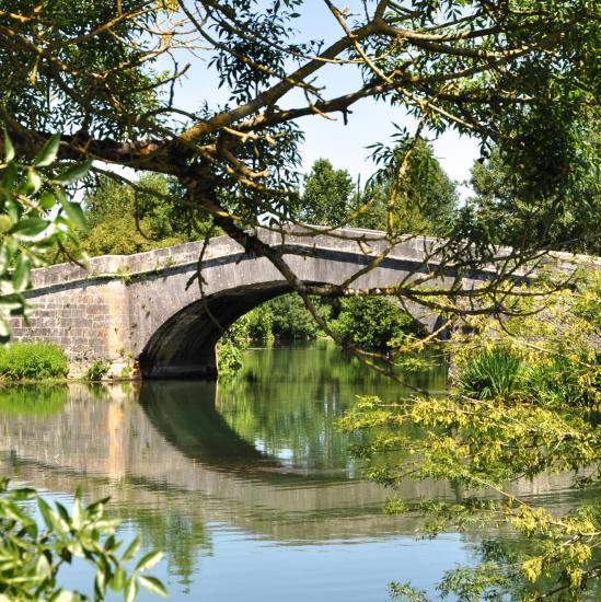 Pont bouée à vibrac - Charente - Juillet 2014