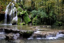 Cascade aux environs de Poligny - Jura - Octobre 2016