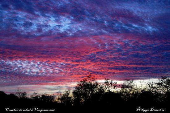 Ciel au coucher du soleil à Voujeaucourt - Doubs - Octobre 2009