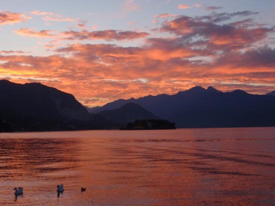 Coucher de soleil sur le Lac Majeur - Piémont - Italie - Août 2008